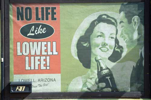 Window dressing in Nostalgic Lowell